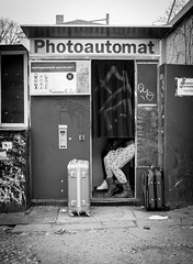 Photoautomat (Thomas Geiregger) Tags: world street camera city travel portrait urban blackandwhite bw white black berlin salzburg art monochrome composition 35mm square lens lumix 50mm prime österreich flickr moments fuji fotografie faces thomas candid fine creative commons scout scene snap best panasonic explore squareformat fujifilm 20mm unposed 45mm humans photobox fotoautomat mft photoautomat primelens festbrennweite photopgraphy tomge strassenfotografie flickriver gx7 streetphotopraphy microfourthird fujix100s x100s fujifilmx100s panasonicgx7 thomasgeiregger geiregger