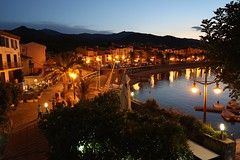 Evening Light in Collioure (groecar) Tags: city light france port french evening harbor europe european village harbour cityscapes nighttime romantic collioure eveninglight cityscenes frenchbeach frenchharbor frenchcities europeancityscape europeanharbor