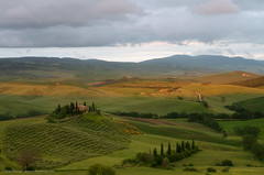 Val d'Orcia (Mirko Chessari) Tags: sunset italy nature landscape it hills tuscany fields toscana sanquiricodorcia