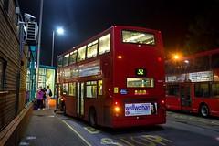 Metroline TA651 (LK05 GGX) Route 32 (LFaurePhotos) Tags: bus london station night perspective publictransport route32 edgware northwestlondon metroline ta651 lk05ggx