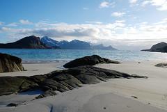 Haukland Beach (MikyAgo) Tags: sea panorama beach norway landscape island islands nikon mare north lofoten artic spiaggia norvegia nord artico isola articcircle 2016 sealine isole d80 lofotenisland isolelofoten mikyago circoloartico