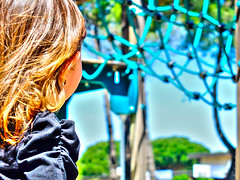 When I grow up, i will climb on it (Keulkeulmike Photography) Tags: bridge colors up kids catchycolors de climb kid child little grow childrens colored fujifilm enfants childs enfant fille hdr petite champ hairs profondeur xs1 keulkeulmike