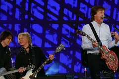Paul McCartney & Brian Ray & Rusty Anderson (NM_Pics) Tags: munich mnchen paul beatles olympicstadium mccartney paulmccartney olympiastadion oneonone