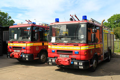 Humberside Fire & Rescue Service Dennis Rapier Training Appliances (PFB-999) Tags: rescue west station training truck fire engine pump vehicle service dennis beacons rapier appliance brigade unit strobes lightbar humberside immingham rotators hfrs yx51fyj s833nrh