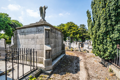 MOUNT JEROME CEMETERY AND CREMATORIUM IN HAROLD'S CROSS [SONY A7RM2 WITH VOIGTLANDER 15mm LENS]-117082