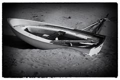 Aspettando l'estate (maurizio.difederico) Tags: mare maredinverno mareadriatico bianconero francavillaalmare spiaggia beach blackandwhite