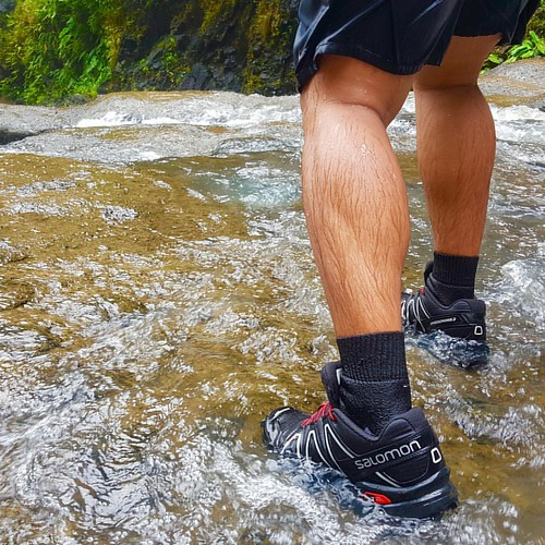 Test run. #salomon #speedcross3 #trail #trek #trekking #huluganfalls #sansalvador #laguna #philippines #ph #morefuninthephilippines #falls #talon #travel #traveldiaries #travelph #travelgram thanks to @rixiebrian for this #s6 shot! 👊