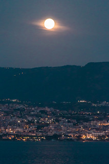 D10969E7 - Full Moon Over The Italian Coast