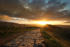 Intensity....... (Chrisconphoto) Tags: uk sunrise dawn path derbyshire peakdistrict intensity mamtor goodlight leadin