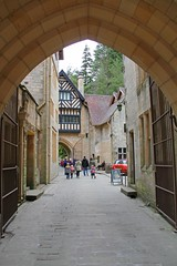Inner Courtyard, Cragside, Northumberland (Geraldine Curtis) Tags: northumberland nationaltrust williammorris artsandcrafts cragside innercourtyard