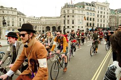 (throughcalvinseyes) Tags: two portrait london festival vintage square beard cycling nikon bokeh wheels victorian trafalgar bikes run bicycles 1900 pedals morris minor tweed 1870 f35