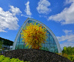 23--Chihuly exhibit (hpwiggy) Tags: glassworks dalechihuly seattlecenter seattlewashington chihulygardenandglass