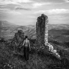 the Muse (Alessandro*Passerini) Tags: city people white mountain black architecture persons