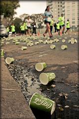 Amor por la naturaleza (JustLeo) Tags: life puerto basura cocacola madero mis tus maraton contaminacin 15k justleo