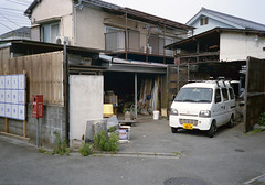 Fuchu-si, Tokyo (ymtrx79g ( Activity stop)) Tags: color film car japan analog tokyo nikon 35mmfilm fujifilm  135     nakagawara   fujicolor400 fuchusi nikonl35awad 201307blog
