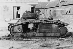"1940, France, Jeancourt, La carcasse du char français B1-bis ""ROUEN"" #222 sabordé car en panne d'essence (ww2gallery) Tags: world two france french army frankreich war nazis wwii krieg ww2 soldiers guerre français soldat armee armée seconde worldwartwo französisch mondiale française secondeguerremondiale"