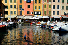 Riflessi...amoci (ballcla (Claudio Ballestra)) Tags: sea mer water colors reflections boats mar agua nikon eau mare barcos couleurs liguria barche bateaux colores acqua colori riflessi portofino reflexiones rflexions nikon7000 ballcla vision:text=0573 vision:outdoor=0587 vision:sky=0501