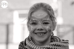 Little Beauty (Frankhuizen Photography) Tags: street portrait bw white black netherlands beauty de photography little candid portret optocht zw 2014 nederweert pinmaekers kriezus