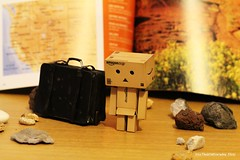 Danboard travel (intothewildeveryday) Tags: voyage travel boy usa nude de bathroom sadness bath sad nu crying triste eat teen manger bain cry eats ado douche salle tristesse garçon mange valise garcon danbo pleure danboard cartox