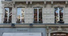 Cuarteto de ventanas - Paris (Polycarpio) Tags: paris france window ventana europa europe reflejo poly francia gallardo polycarpio europephotos fotosdeparis europephoto jmgallardo fotosdefrancia juanmanuelgallardo