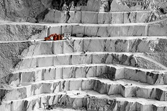 Red (Bretello) Tags: red italy topf25 miniature aperture nikon italia tuscany marble toscana carrara selectivecolor quarries d3200 flickrchallengewinner