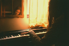 (Gabriel Adamiak) Tags: music playing film analog 35mm photography piano