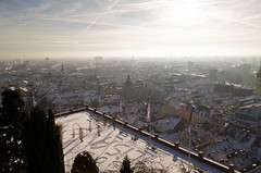 Segnali sulla neve (damar47) Tags: city winter sky sun snow sunshine skyline austria twilight shine pentax roofs neve graz shining pentaxk30