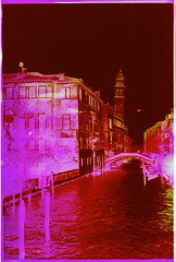 (Max Miedinger) Tags: pink venice film purple gates films rosa slide epson kit six venezia developed e6 v700 tetenal ochrome sixgatesfilms