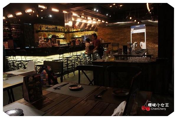 熊燒, 熊燒BAR, ピレニーズ, 市民大道, 南京三民站, 串燒, 日式料理, 創意料理, 寵物餐廳, 工業風, 餐酒館