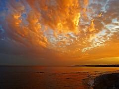 Colores del atardecer (Antonio Chacon) Tags: sunset espaa atardecer mar spain andalucia costadelsol mediterrneo mlaga marbella