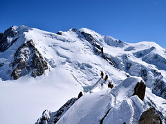 """Les conqurants de l'inutile"" Chamonix Mont Blanc ""The conquerors of the useless"" (CHAM BT) Tags: snow ski ice spring altitude trace glacier ridge mountaineering neige printemps ascension montblanc steep glace alpinisme ascent mountaineers alpinist randonnee arrete cosmique alpiniste raide"