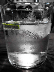 Cold Ice (Maguerod) Tags: cold verde blanco ice blackwhite y lima drink negro vodka hielo
