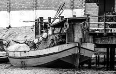 espera da pesca (felipe sahd) Tags: city cidade woman brasil barcos noiretblanc mulher pesca maranho barreirinhas pescadora 123bw riopreguias