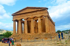 Valley of the Temples - Temple of Concordia 9 (Sussexshark) Tags: holiday temple concordia sicily vacanza sicilia agrigento valledeitempli valleyofthetemples 2016