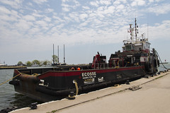 DUD_3856r (crobart) Tags: lake ontario port boat tug erie dover ecosse