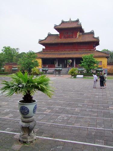 hue - vietnam 36