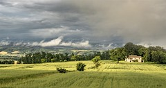 Val di Chiana dopo un temporale (Luca Carnesciali) Tags: sky italy sun rain clouds italia tuscany toscana trasimeno chiana temporale tuscan sarteano valdichiana