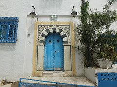 Sidi Bou Said (  ) (twiga_swala) Tags: blue windows white architecture iron doors tunisia tunis traditional cyan style bougainvillea bleu vernacular said ironwork forge blanc bleute fer grilles andalusian sidi bou tnez tunisian wrought bouganvilla portes mashrabiya grills moucharabieh vernaculaire oriel  andalusi   ferronnerie andalous traditionnelle  forg tunisienne   andalousian  shanasheel
