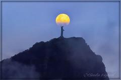 IMG_3284 smart copy (cnajhar) Tags: sky moon mountain riodejaneiro clouds landscape corcovado