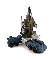 Combiner Wars Onslaught & Blast Off (machtackle) Tags: toy jet off transformers classics voyager wars generations universe blast hasbro decepticon onslaught 2015 repaint combiner combaticon