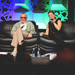 172 | 366 | V (Randomographer) Tags: people woman man celebrity leather fun chair comic sitting stage icon denver stan lee convention interview legend clair kramer con theman 172 2016 366 project366 denvercomiccon dcc2016