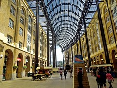 Hays Galleria, London (Kai Beinert) Tags: london galleria shopping mall architecture city stadt streetphotography