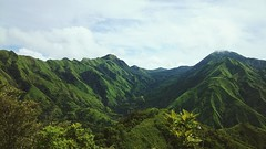 Mountain range view of Mt. Napulak trail (JaneKTeo) Tags: mountainrange itsmorefuninthephilippines mobilephotography iloilo landscapephotography adventure trekking