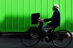 """181/366 Green (serie """"one color per day"""") (Kairos !) Tags: street urban color green bike colorful streetphotography vert biker serie streetphotographer 366 streetwalk conceptualimage 366days conceptphotos project366 fujixt10 2016pad"""