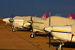 Nosy Planes (planephotoman) Tags: training willie piper beechcraft beech iwa flighttraining kiwa airlinetraining phoenixmesagatewayinternationalairport