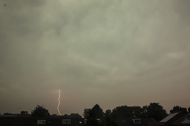 daylight lightning