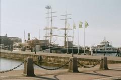 (Juliana M. M. Soares) Tags: 35mm boats bay barcos baa pentaz