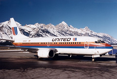 Jackson Hole, Wyoming (CDeahr23) Tags: winter united jackson boeing grandtetons 737 unitedairlines wy jac boeing737 tetonmountains jacksonholeairport jacksonholewy jacksonwy kjac moosewy n342ua