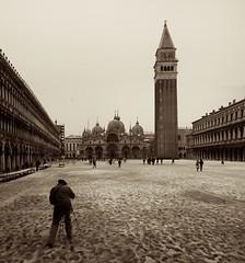 the photographer (Pedro Cordeiro Photografy) Tags: venice bw italy sepia photographer campanile sanmarco stmark
