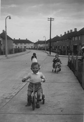 Me Front and David rear, Who was the girl!! Circ Abt 1955/6 (dark-dawud) Tags: road old nottingham uk houses england me boys girl self vintage fence blackwhite bell streetlamps 1950s lamps oldphotos clifton nottinghamshire towson goodolddays nocars councilhouses concreteroad concretepath cliftonestate wildencresent letcomberoad nocarsparked